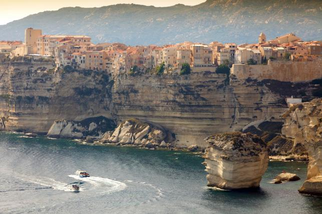 Sotta zamiast Bonifacio na Korsyce -  oszczędność: 35 proc.