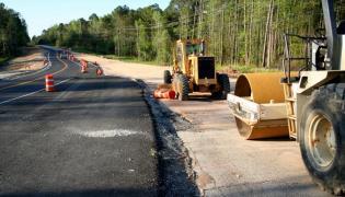 Budowa drogi, zdjęcie ilustracyjne