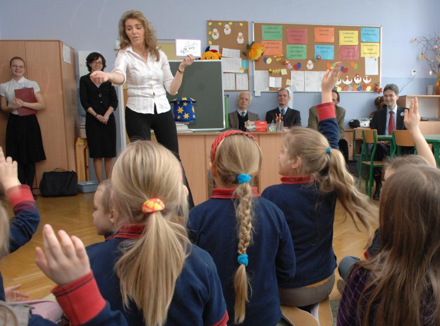 Rusycysta nauczy dzieci angielskiego