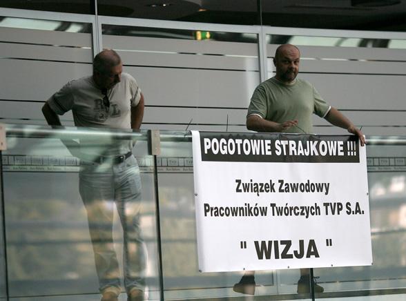 W TVP grożą strajkiem, a Farfał na urlopie