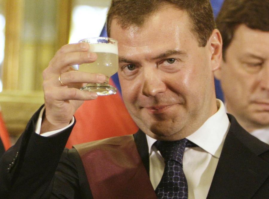 Miedwiediew też jest \