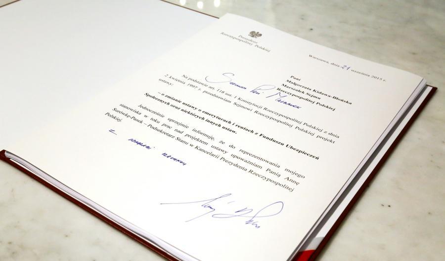 Prezydent RP Andrzej Duda podpisał projekt reformy ustawy o wieku emerytalnym