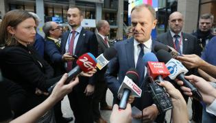 Donald Tusk wśród dziennikarzy w Brukseli