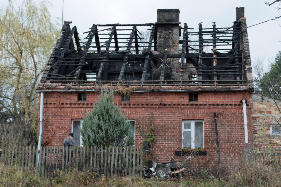 Spalony dom w Jesionej