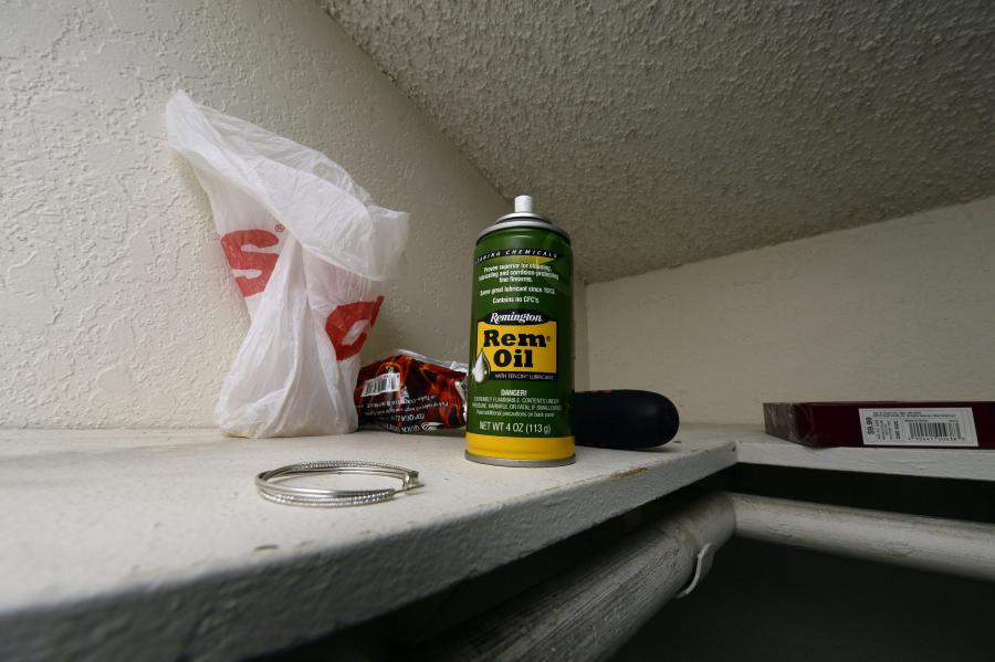 Wnętrze mieszkania zabójców z San Bernardino