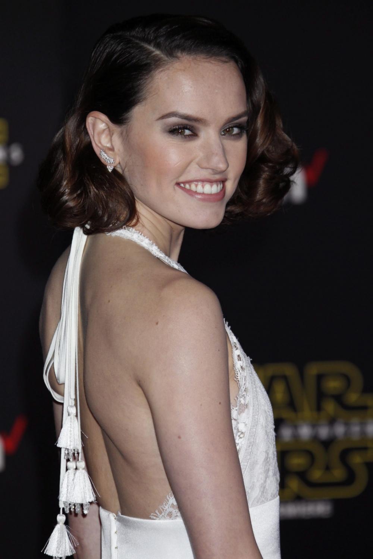 """Daisy Ridley na premierze """"Gwiezdnych wojen: Przebudzenia Mocy"""""""