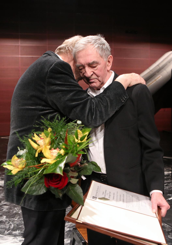 Jerzy Trela otrzymał nagrodę specjalną dla najlepszego aktora, przyznaną mu na XVII Ogólnopolskim Festiwalu Sztuki Reżyserskiej \
