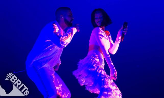 Tym razem nie zawiodła! Rihanna w seksownym duecie z Drake\'em [WIDEO]