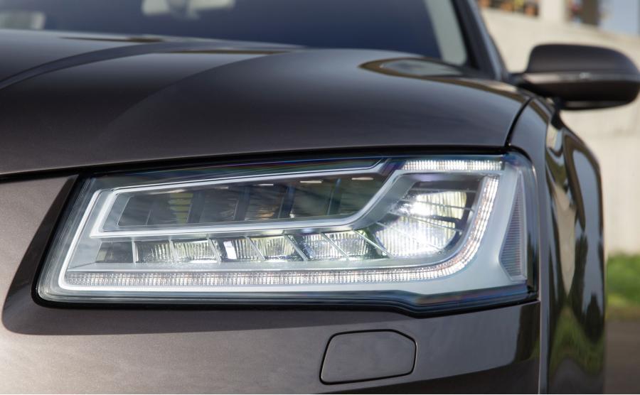 Audi A8 wyposażone w diodowe reflektory Matrix LED