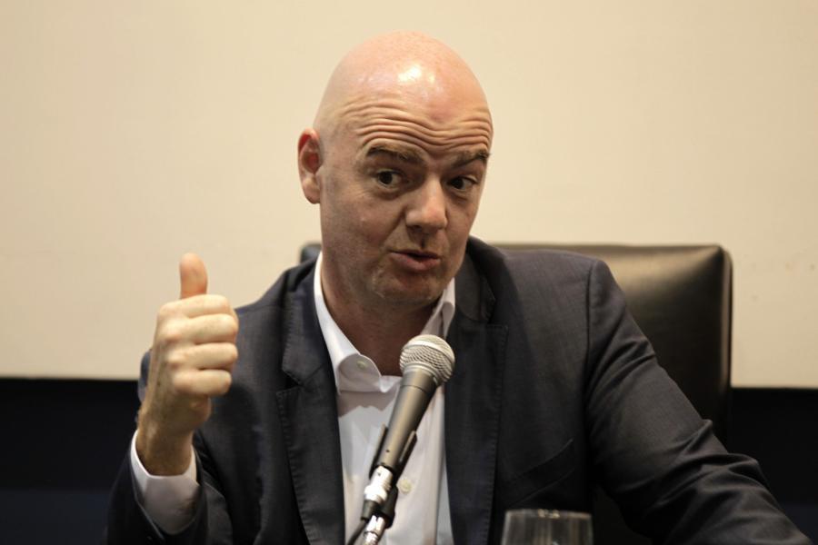 Prezydent FIFA chce więcej drużyn na mundialu