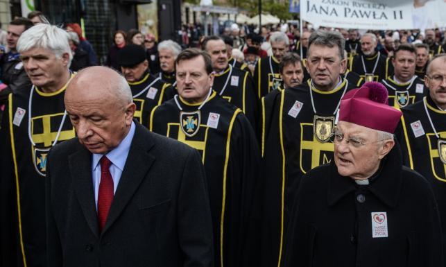 XI Marsz Świętości Życia przeszedł ulicami Warszawy. Na czele kard. Nycz i prof. Chazan. ZDJĘCIA