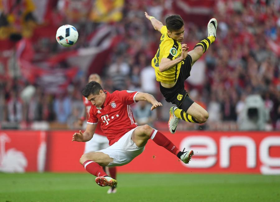 Julian Weigl i Robert Lewandowski