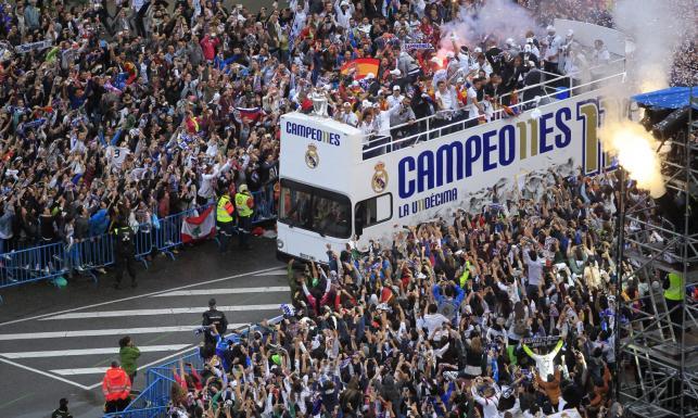 Liga Mistrzów: Piłkarze Realu Madryt świętowali z kibicami 11. tytuł