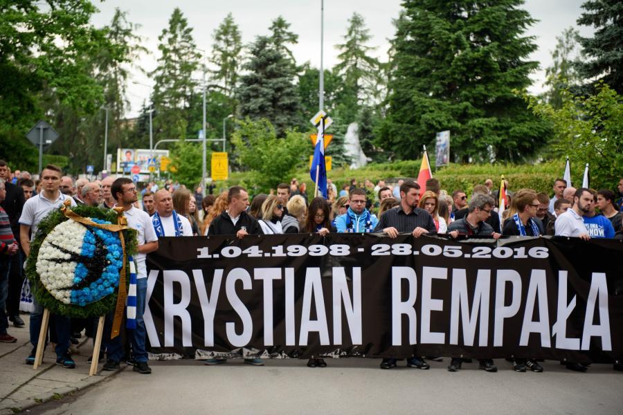 Kibice, żużlowcy oraz mieszkańcy Tarnowa pożegnali Krystiana Rempałę