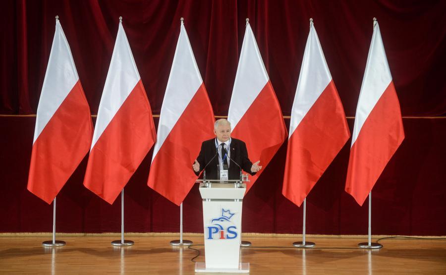 Jarosław Kaczyński przemawia na zjeździe warszawskiego okręgu PiS