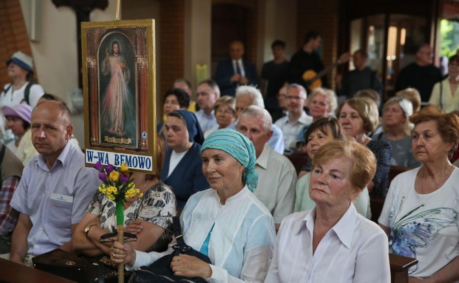 Uroczyste przekazanie relikwii św. Maksymiliana Kolbego w kościele św. Antoniego Mari Zaccarii w Warszawie