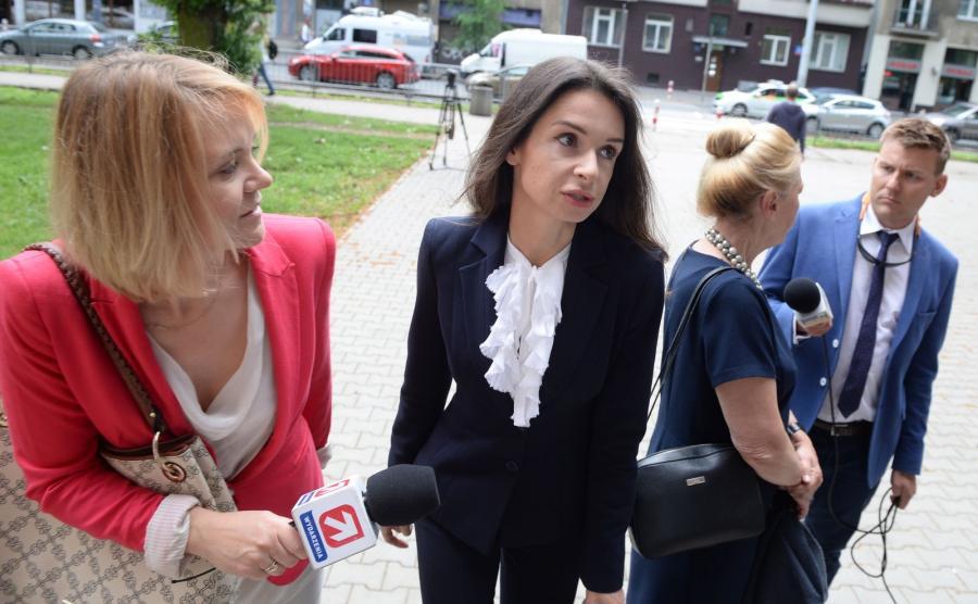 Marta Kaczyńska w drodze na spotkanie w Prokuraturze Krajowej w Warszawie