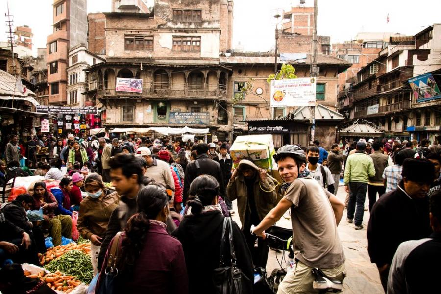 Ulice Katmandu, Nepal; fot. T. Bogusz / Pirania na kolację