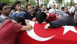 Pogrzeb jednej z ofiar starć w Turcji