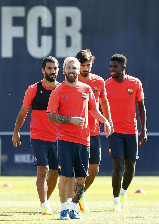 Lionel Messi zrobił się na blond. Dobrze mu w takiej fryzurze?