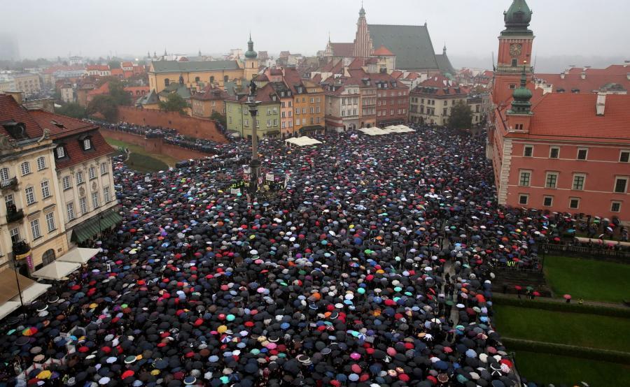 Czarny poniedziałek w Warszawie