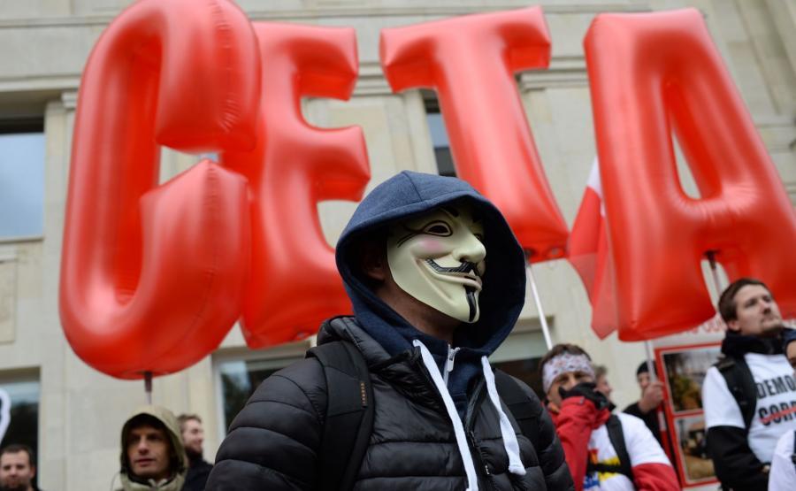 Protest przeciwko przyjęciu umów o wolnym handlu umów o wolnym handlu z USA - TTIP i Kanadą - CETA