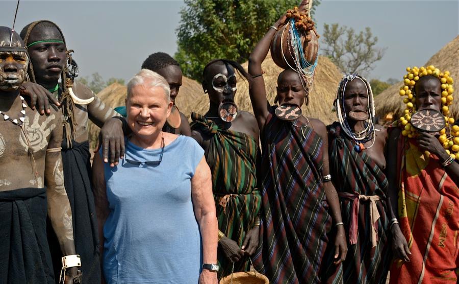 Elżbieta Dzikowska i plemię Mursi