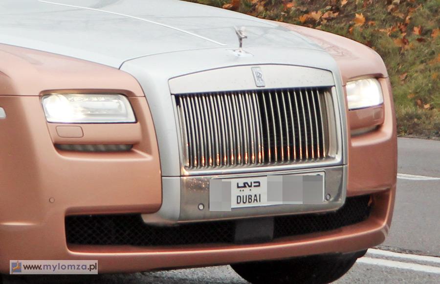 Policyjny pościg za nietypowym autem pod Łomżą. Uciekał różowy rolls-royce z Dubaju