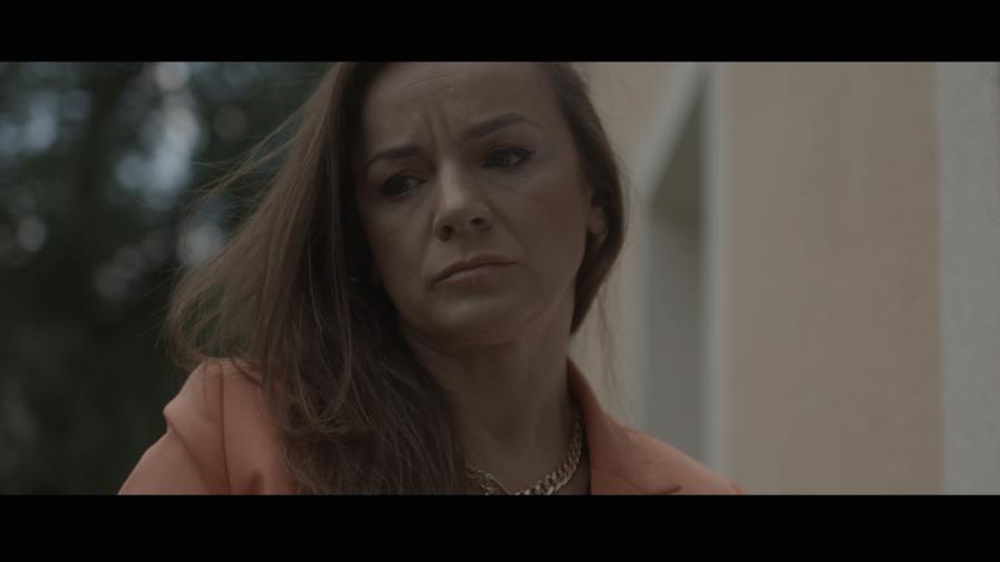 """Marzena Wieczorek w filmie """"Kolekcja sukienek"""" - obraz w kinach od 9 grudnia 2016 roku"""