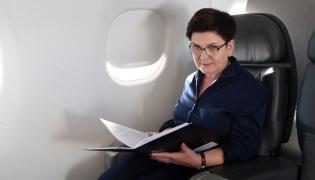 Premier Beata Szydło na pokładzie rządowego embraera 175