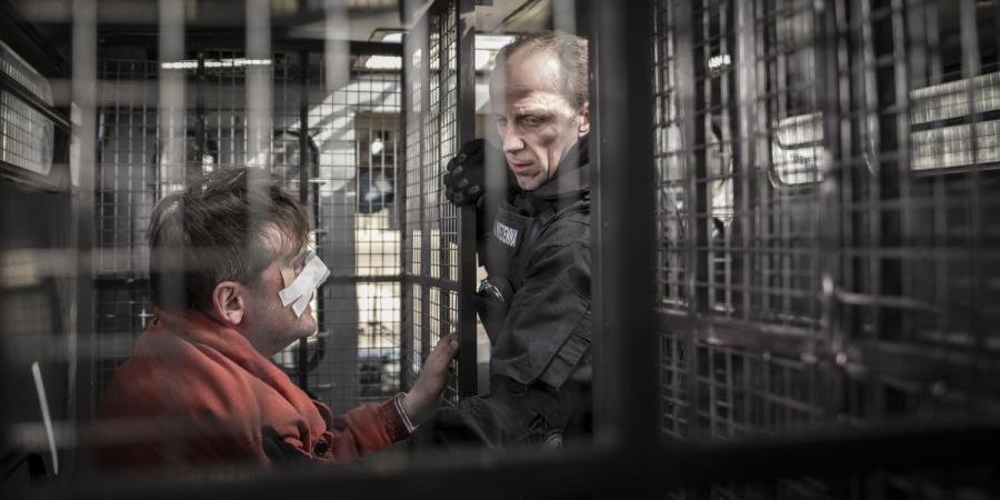 """Łukasz Simlat oraz Ireneusz Czop w filmie """"Konwój"""". Premiera 13 stycznia 2017 roku."""