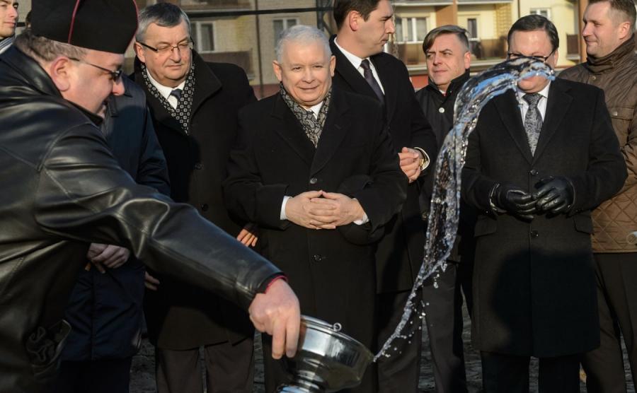 Jarosław Kaczyński, konferencja na temat programu Mieszkanie Plus