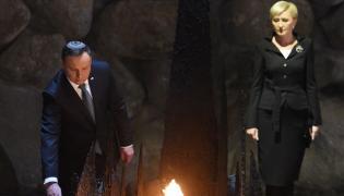 Para prezydencka podczas ceremonii złożenia wieńca w Sali Pamięci w Instytucie Yad Vashem,