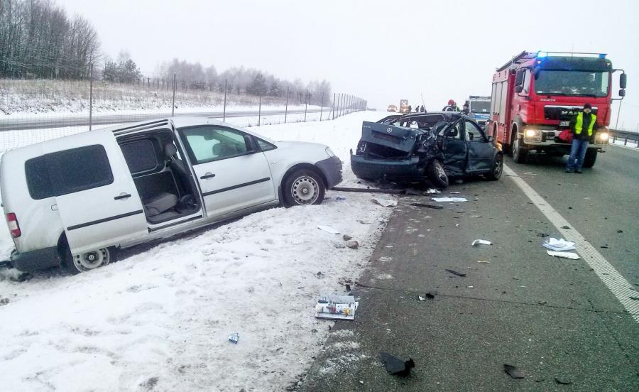 Miejsce wypadku na drodze S8 w powiecie skierniewickim, na wysokości miejscowości Wędrogów