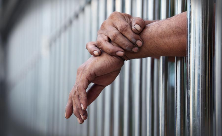 Mężczyzna w więzieniu