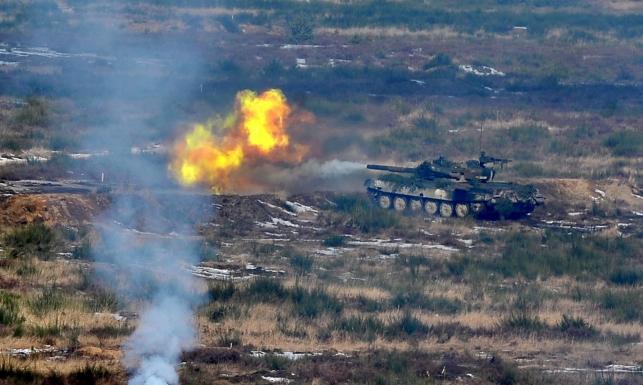 Czołgi, myśliwce, śmigłowce i wozy bojowe... Pokaz siły i sprzętu w Drawsku Pomorskim. [ZDJĘCIA]