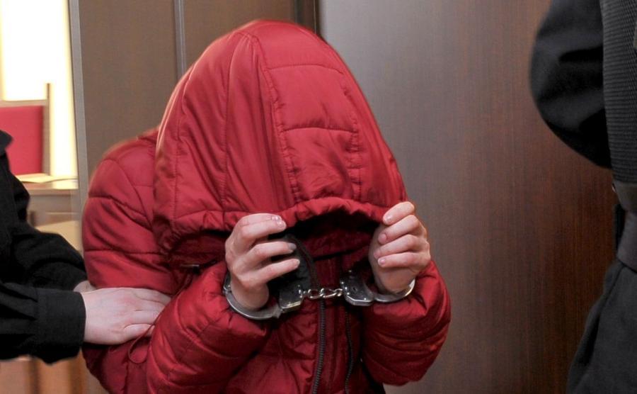 Matka poparzonej pięciolatki po posiedzeniu aresztowym w Sądzie Rejonowym w Gryficach