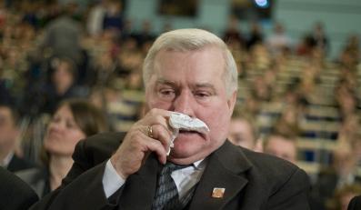 Wałęsa: Nie nasikałem do kropielnicy
